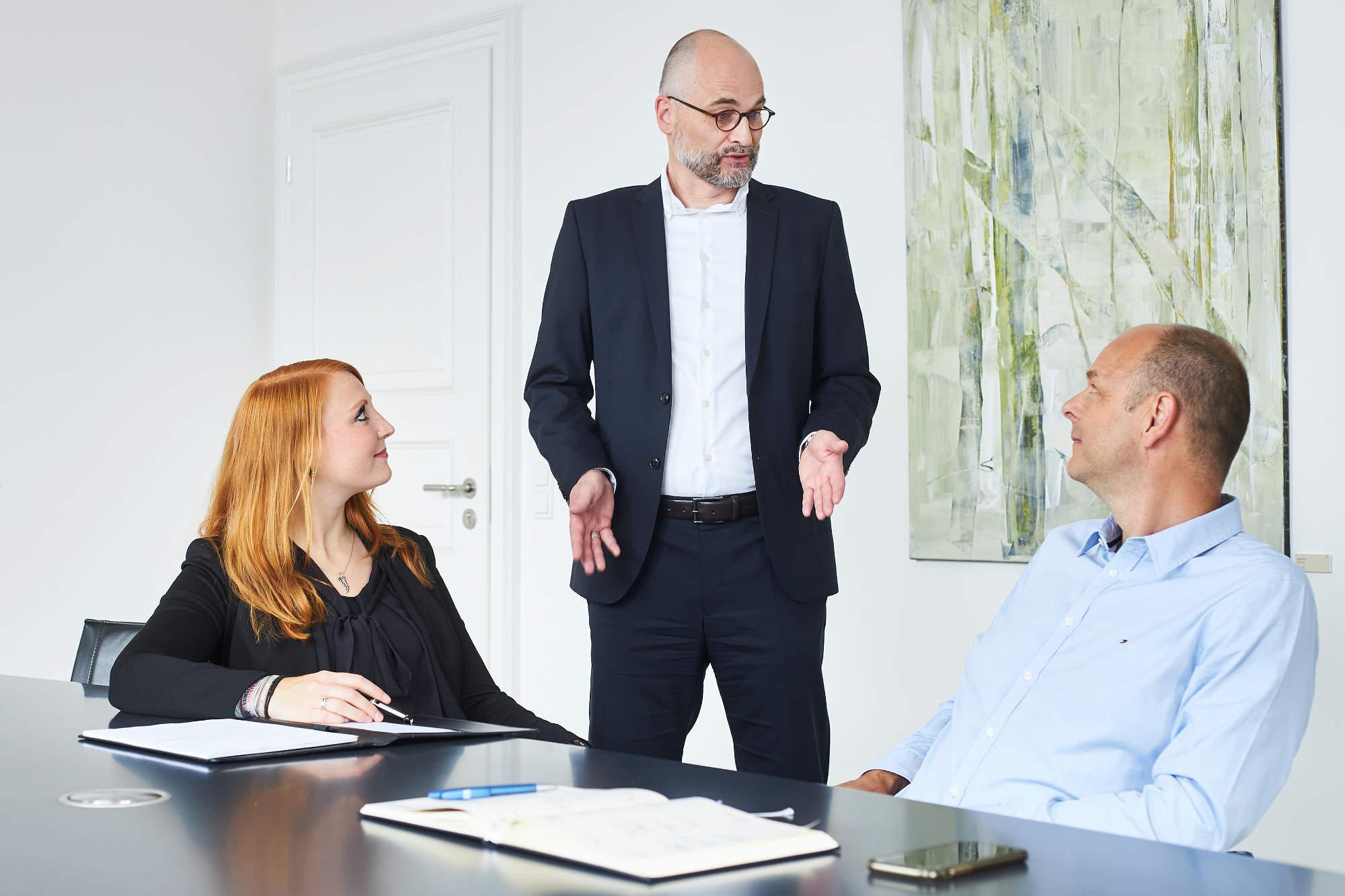 Rechtsanwälte für Arbeitsrecht beraten über Kündigungsschutzklage in Aachen