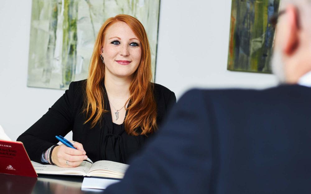 Rechtsanwalt berät im Arbeitsrecht zur Klagefrist der Kündigungsschutzklage in Aachen